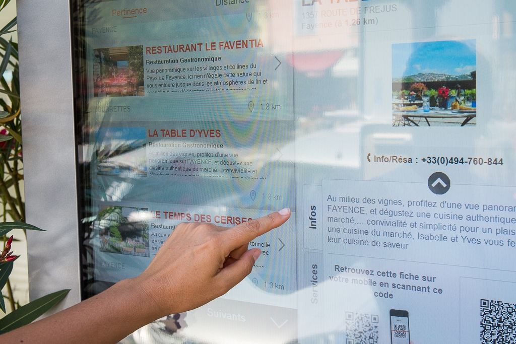 Une borne interactive «info tourisme» à Fayence